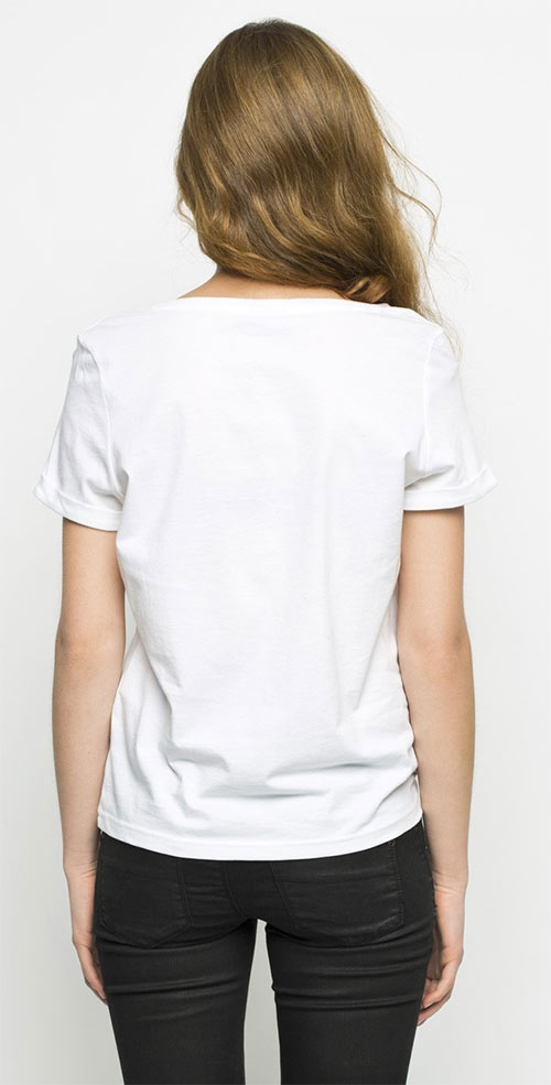 Bílý dámský top s potiskem a ohrnutými okraji rukávů