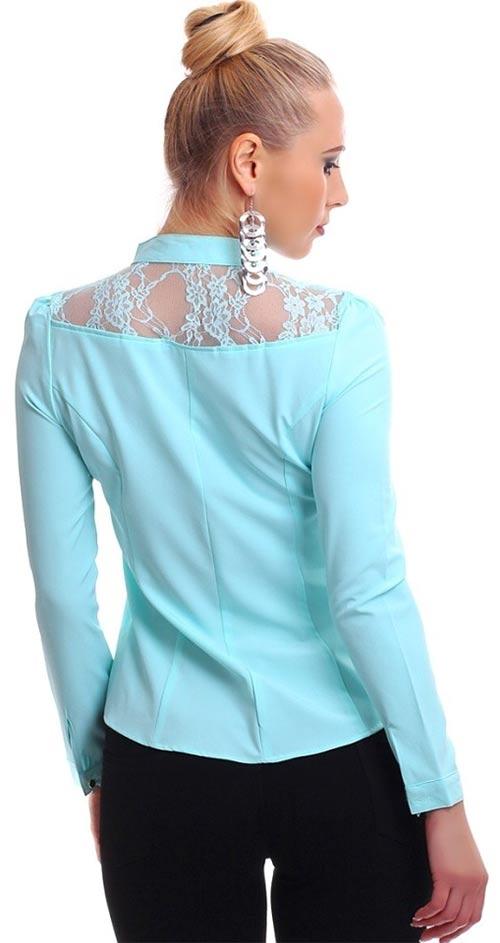 Světle modrá dámská košile s krajkou