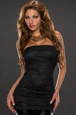 Černý krajkový top nad prsa