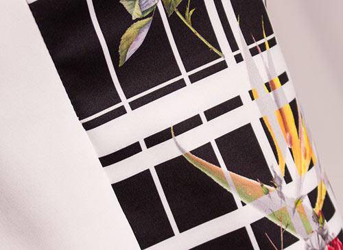 Dámský top/tílko krátkého střihu s motivem květin