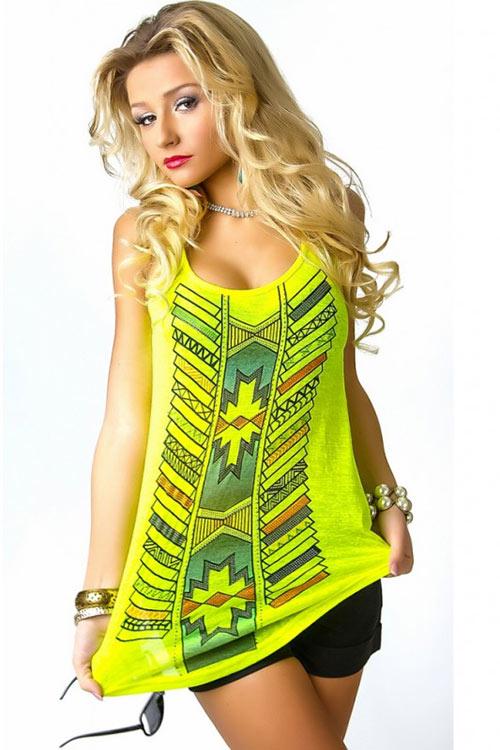 Neonově žluto zelené letní tílko s barevným potiskem