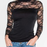 Černý dámský top s límečkem a krajkovými rukávy