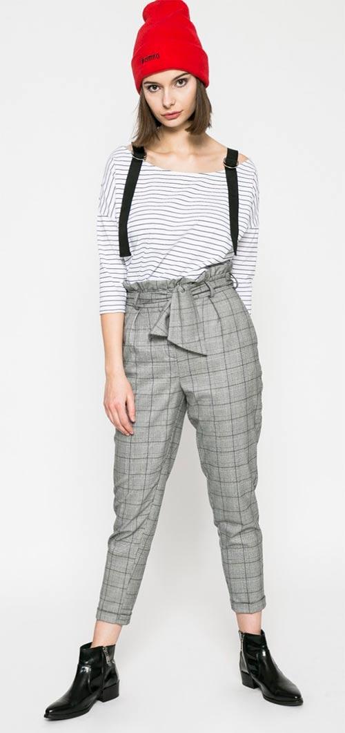 Dámské tričko ke karovaným kalhotám
