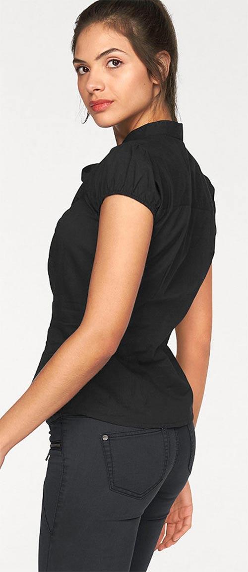 Černý dámský top s nařasenými krátkými rukávy