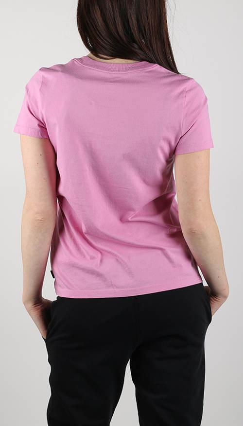 Růžové tričko na sportování