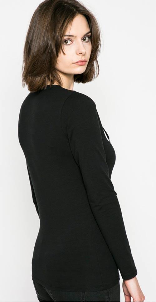 Černé dámské tričko s dlouhým rukávem