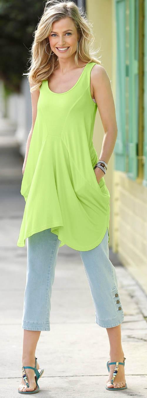 Dlouhé zelenkavé dámské tričko