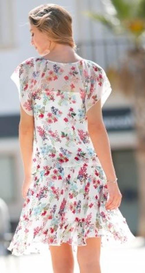 Komplet halenky a sukně připomínající šaty