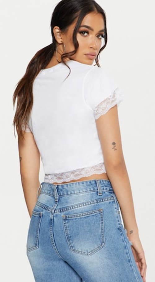 Kratší tričko k vysokým džínám