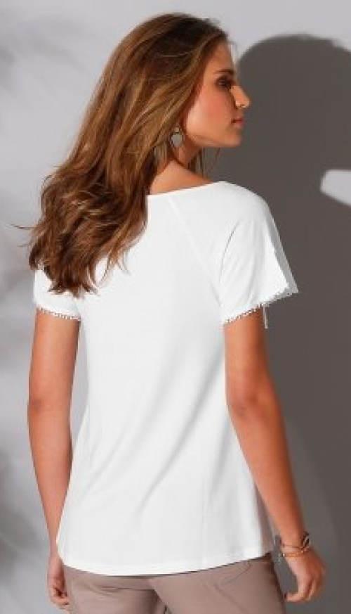 Pohodlné bílé tričko