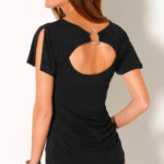 Černé dámské tričko s průstřihem a kroužkem na zádech