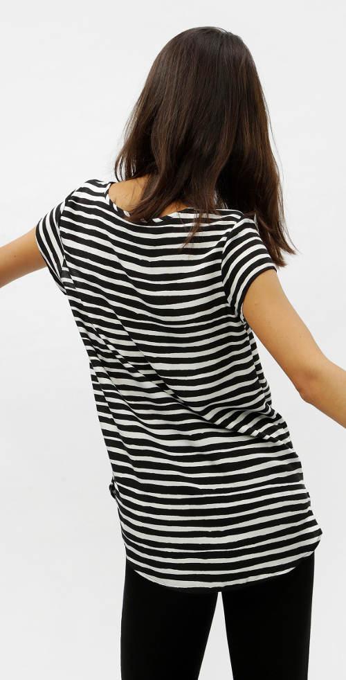 Černobílé pruhované dámské tričko