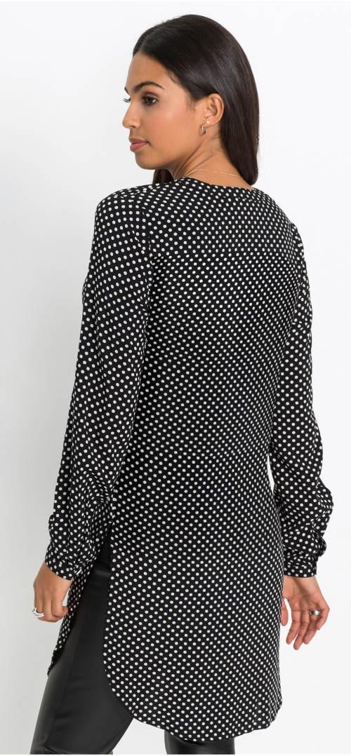 Dlouhá puntíkovaná černobílá košilová halenka