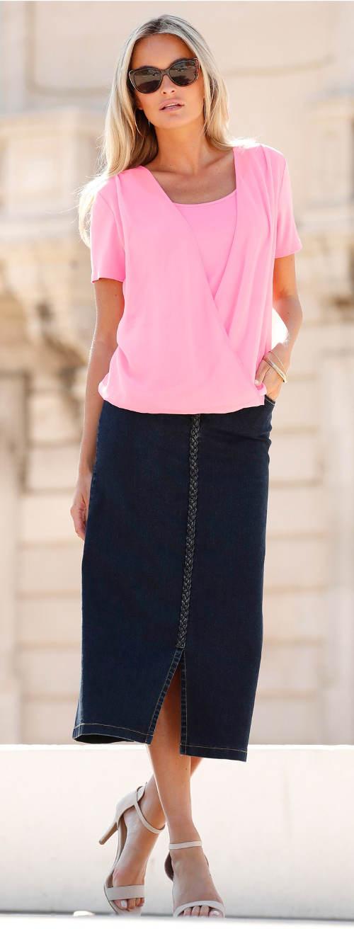 Růžová vrstvená halenka k dlouhé sukni