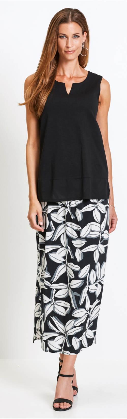 Černé letní tílko k maxi sukni