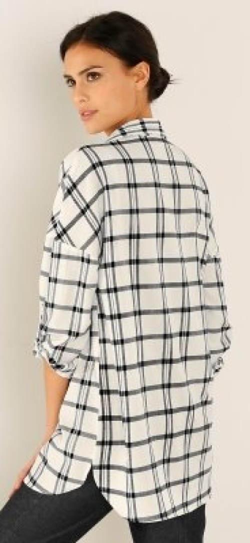 Černobílá dlouhá kostkovaná košile