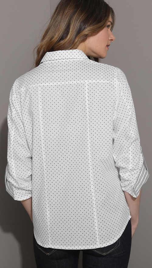 Bílá košilová dámská halenka s puntíky