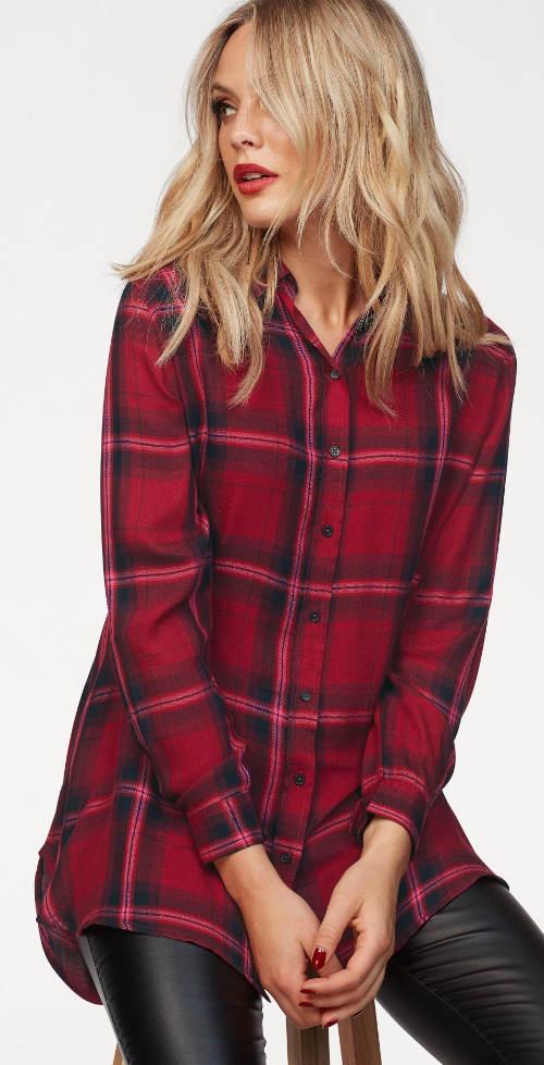 Dlouhá kostkovaná červená dámská košile