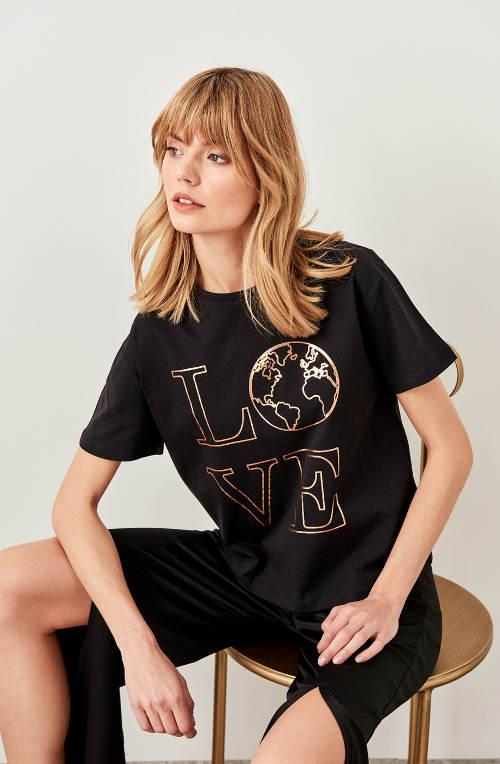 Dámské tričko s potiskem LOVE