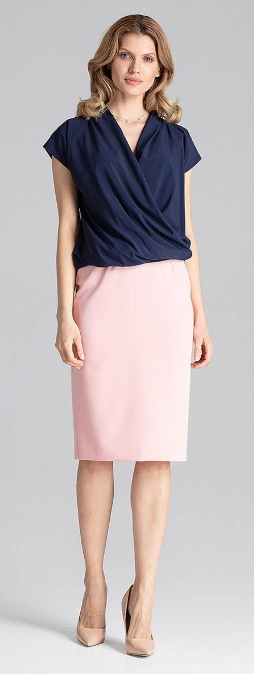 Modrá haelnka k béžové sukni