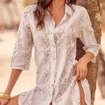 Bílá plážová košile přes plavky