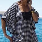 Kostkované plážové šaty s širokými 3/4 rukávy