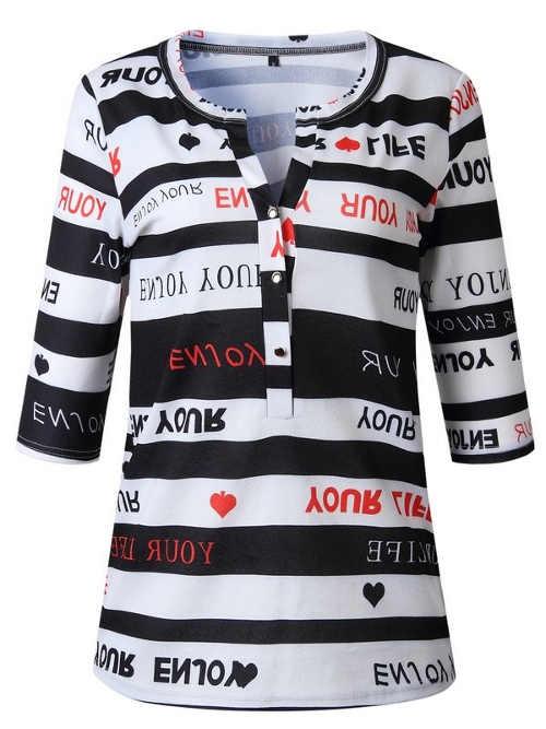 Pruhované tričko s hlubokým výstřihem na knoflíčky