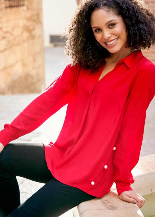Červená dámská halenka s límečkem