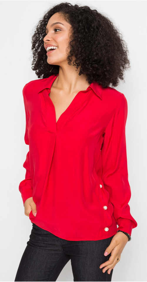 Červená košilová halenka s ozdobnými perličkami