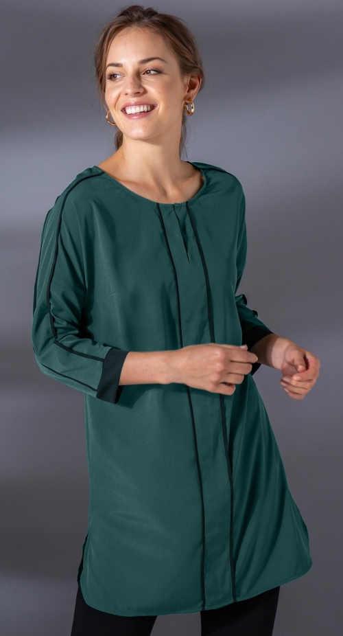 Dlouhá zelená dámská halenka maskující břicho, boky i zadek