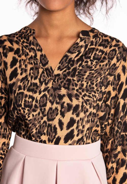Leopardí dámská halenka s výstřihem do V