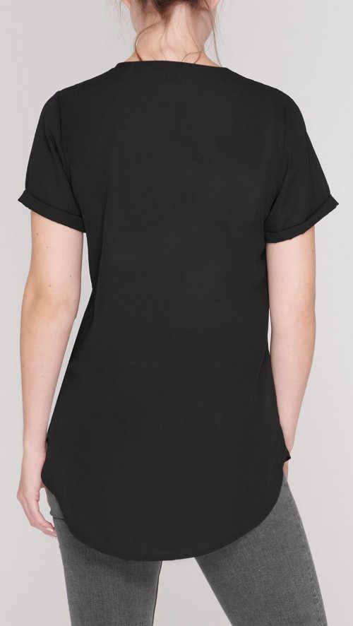 Prodloužené černé dámské tričko s délkou pod zadek