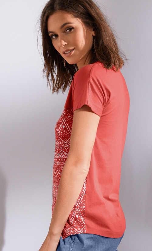 Moderní tričko se spadlými rameny