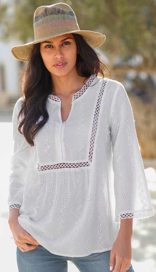 Bílá vyšívaná letní dámská halenka s dlouhými rukávy