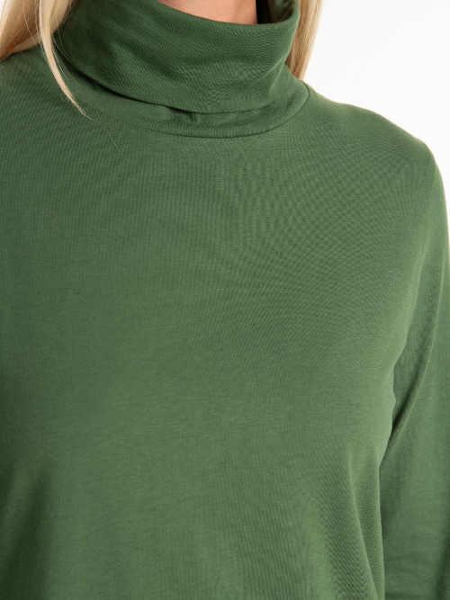 zelený dámský rolák v prodloužené délce
