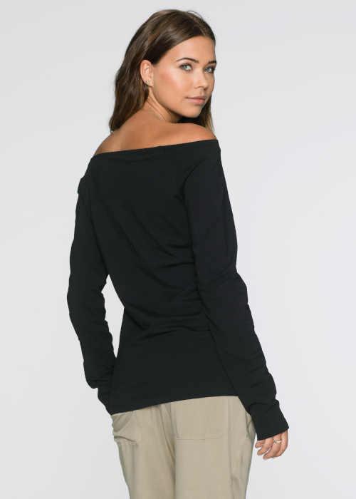 dámské triko v černém provedení s výstřihem
