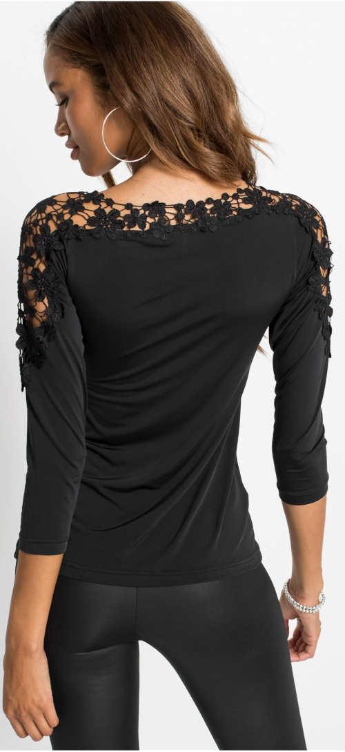 Černé krajkové tričko k černým legínám
