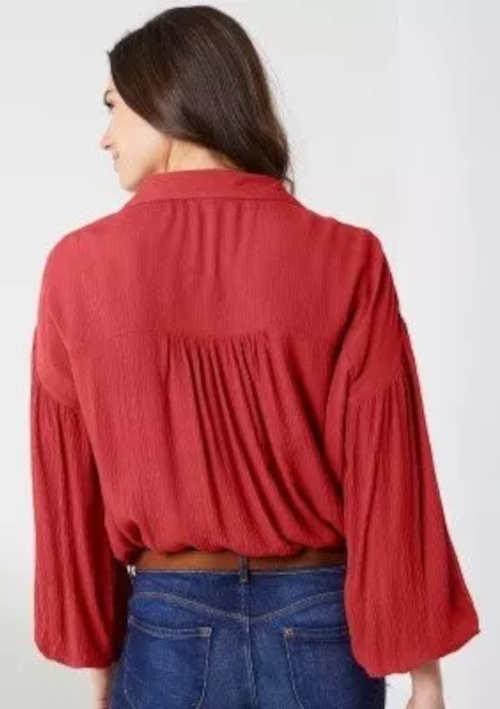 Červená dámská košile s balonovými rukávy