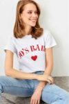 Dámské bavlněné tričko v klasickém střihu oživené nápisem
