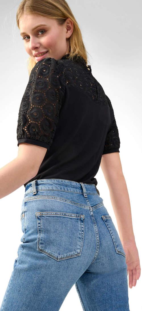 Černé dámské tričko s výstřihem a rukávy z ažurové látky
