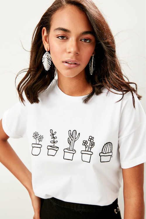 Bavlněné tričko s krátkým rukávem s moderním potiskem