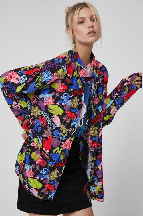 Dámská komfortní košile v moderním vzorovaném provedení