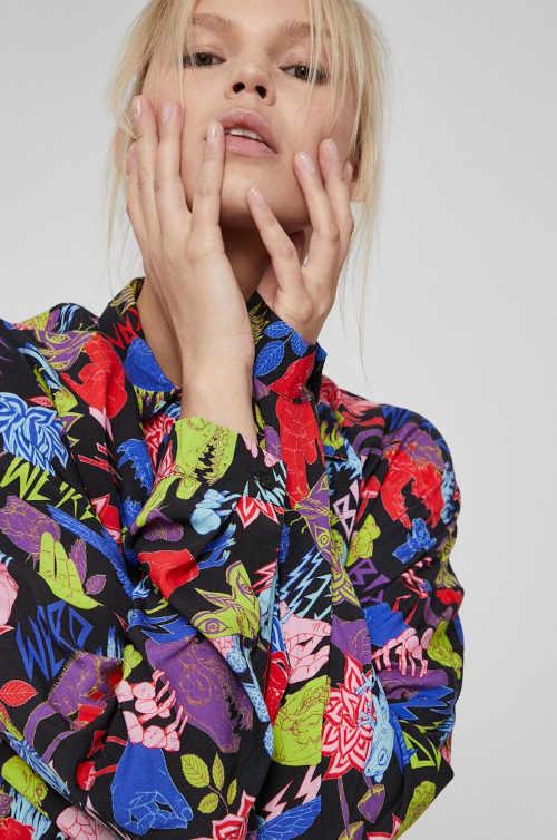 vzorovaná dámská košile s límečkem